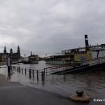 Dampfer beim Hochwasser in Dresden