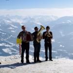 Musiker auf der Bergspitze
